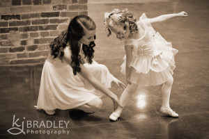dancers_sisters_photograph