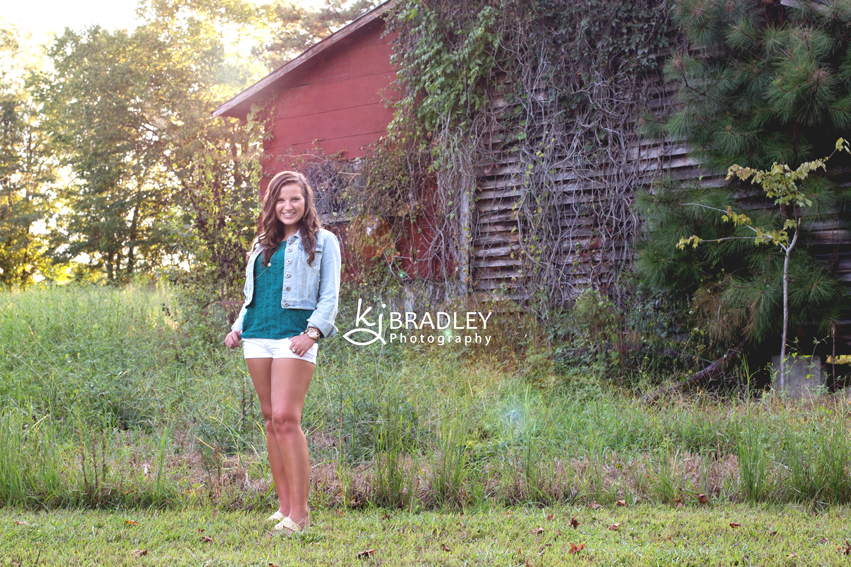 rocky_mt_nc_photographer_senior_barn_farm