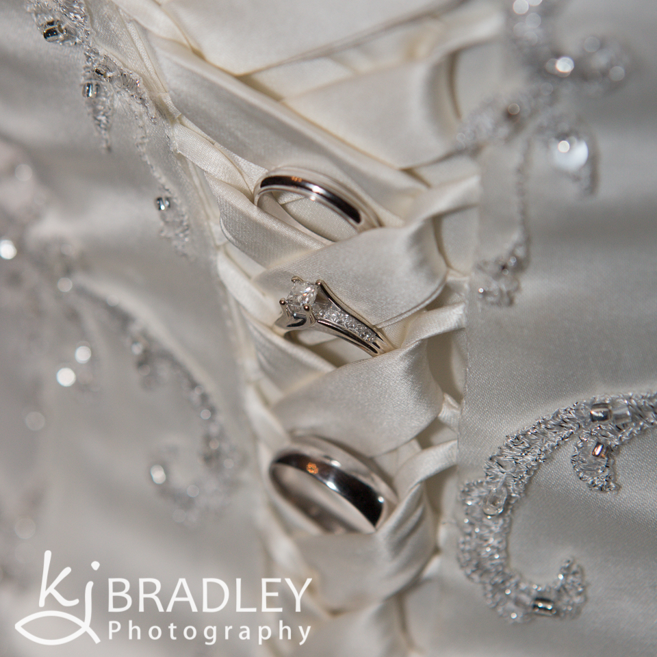 wedding_rings_dress_loops_photography
