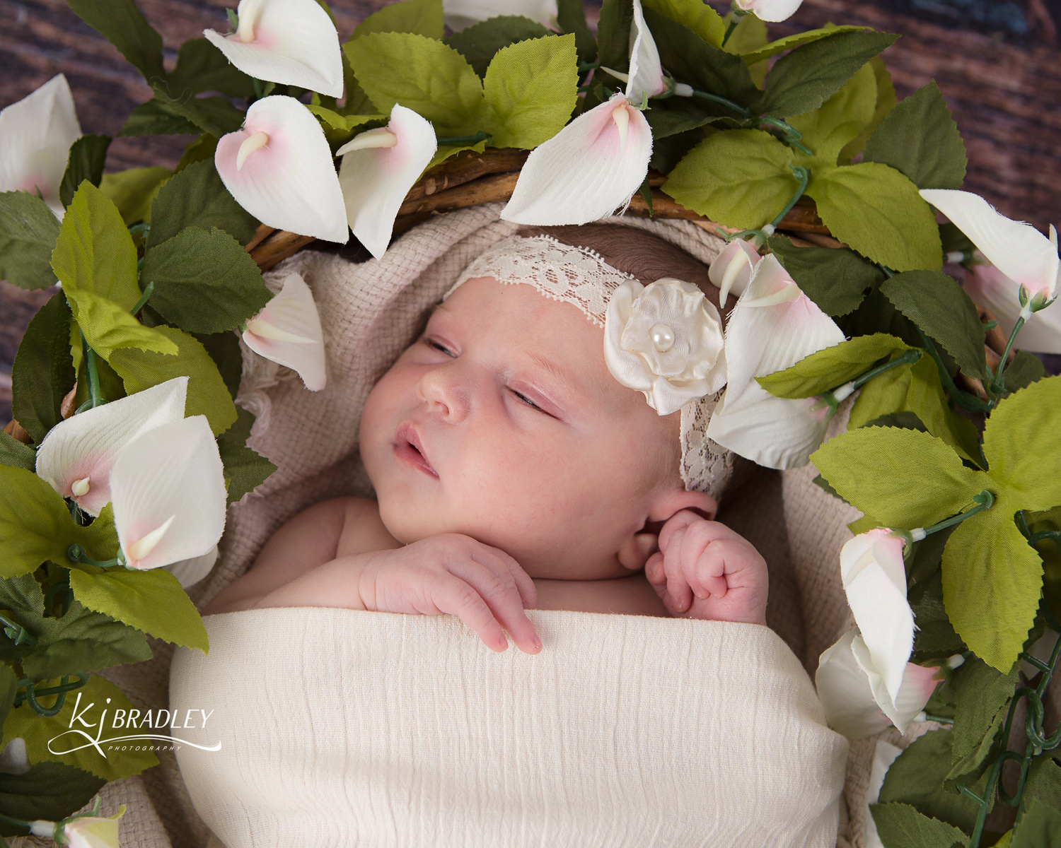 newborn_photography_flowers_KJ_Bradley_Photography