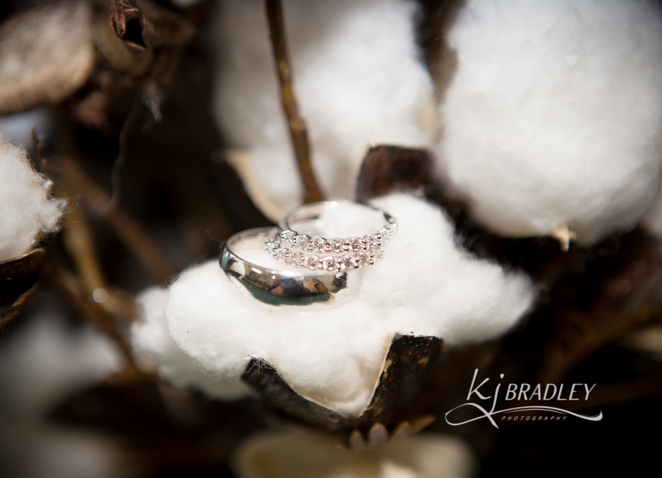 Cotton_wedding_boquet_rings_KJ_Bradley_Photography