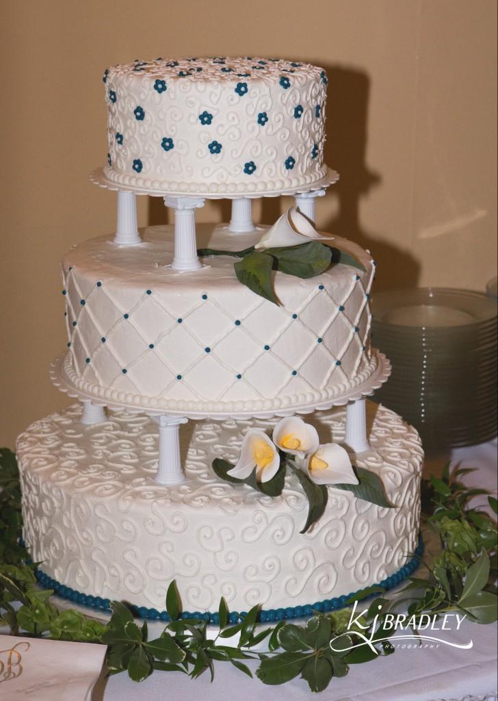 KJ_Bradley_Photography_Weddings_cakes_Rocky_Mt