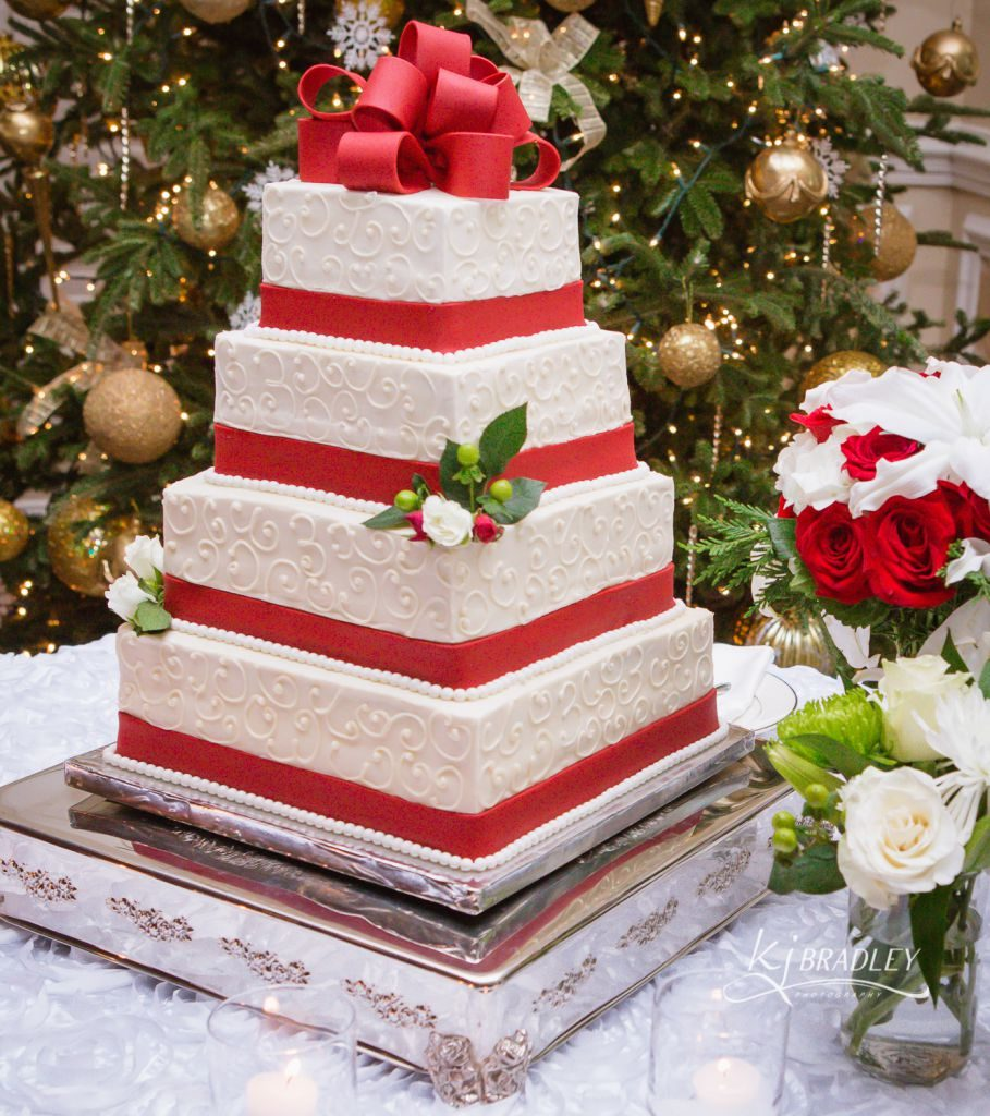 rose_hill_wedding_cake_kj_bradley_photography