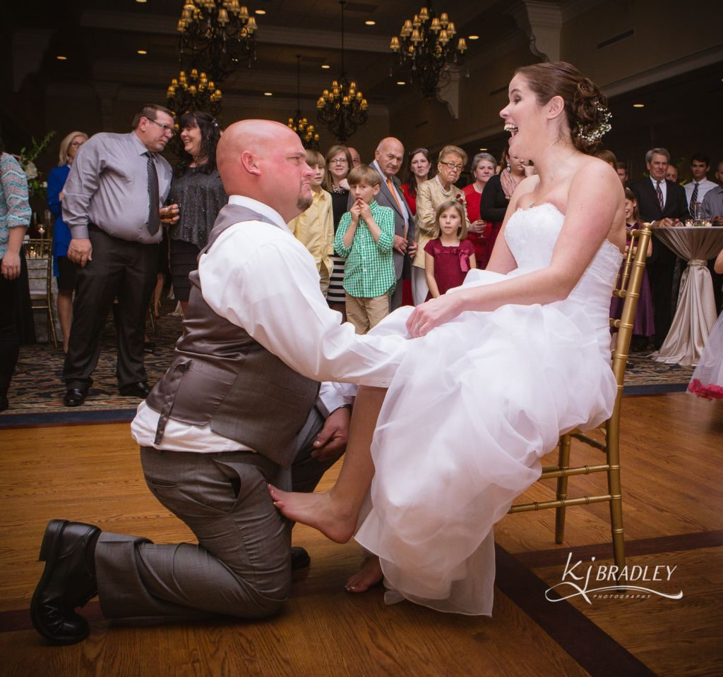 rose_hill_wedding_garter_kj_bradley_photography