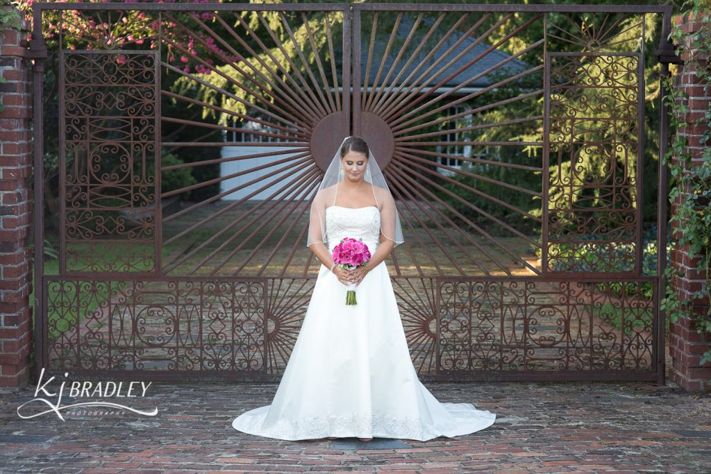 leaning_tree_bridal_portrait_gate_kj_bradley_photography-10